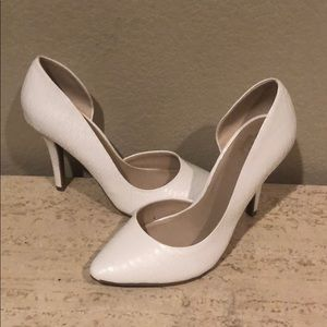 NEW - Juicy Couture white high heels - Size 7